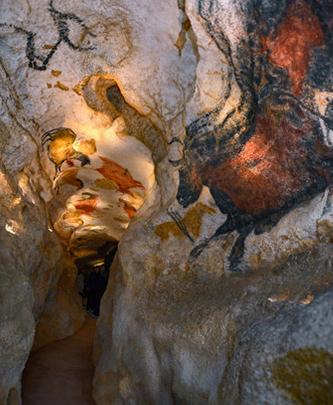 A Salisbury France részt vesz a lascoux-i barlang újabb másolatának létrehozásában